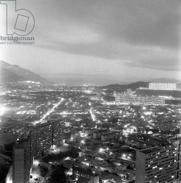 Night view of the city, Caracas, January 1958 (b/w photo)