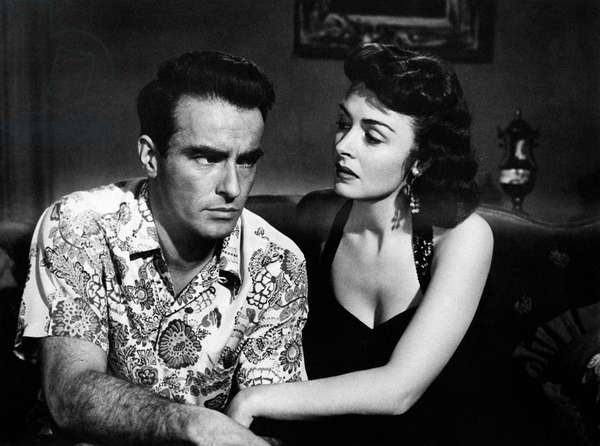 Montgomery Clift and Donna Reed in 'From Here to Eternity', 1953 (b/w photo)