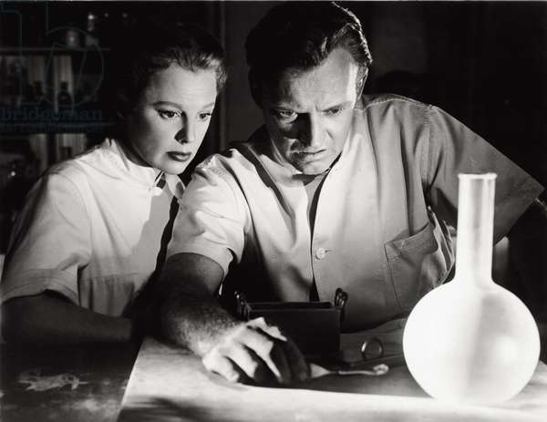 June Allyson and Arthur Kennedy in 'The girl in white', 1952 (b/w photo)