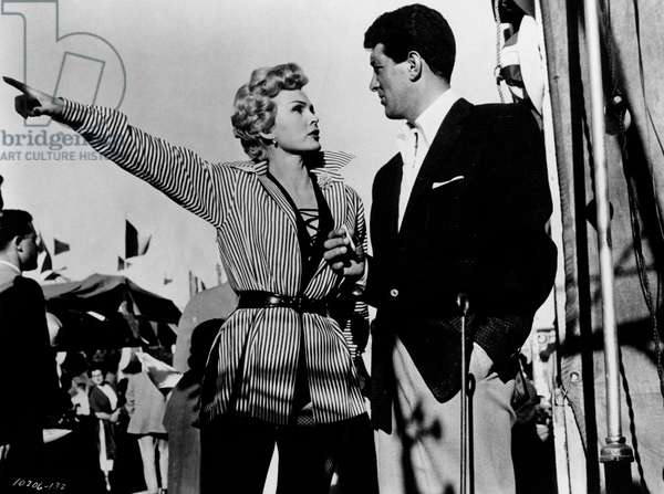 Zsa Zsa Gabor and Dean Martin in a scene from the movie '3 Ring Circus', 1954 (b/w photo)