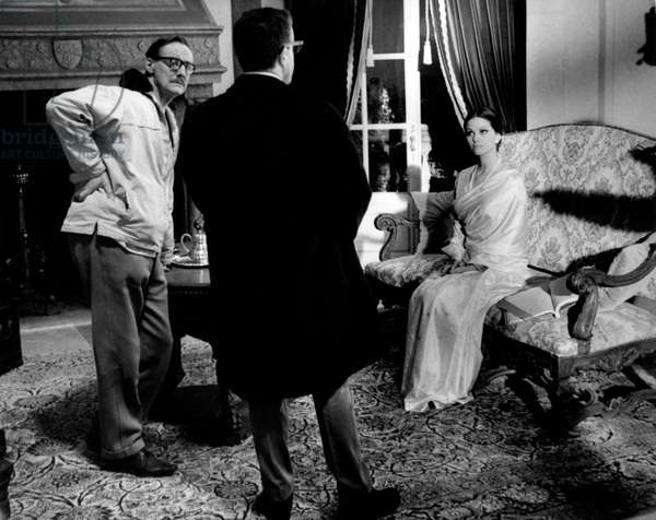 Claudia Cardinale, Peter Sellers and Blake Edwards on the set of the movie The Pink Panther, 1963 (b/w photo)