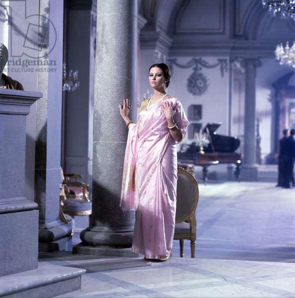 Claudia Cardinale on the set, 1963 (photo)