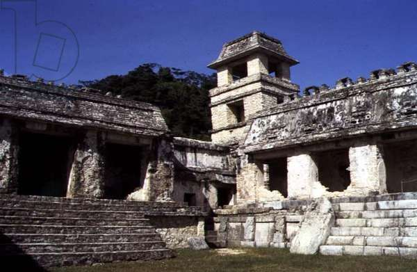 Corner of the courtyard, inside the main ceremonial centre, Palenque Palace, Late Classic Maya, 7th century (photo)