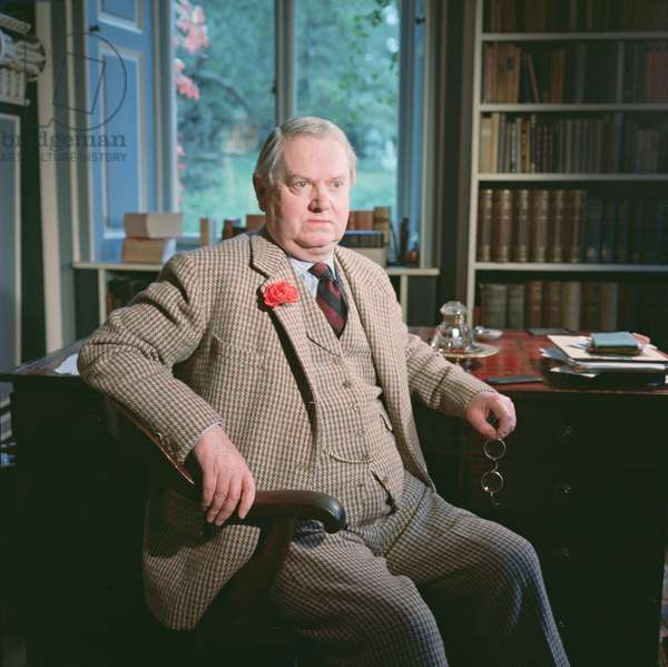 Evelyn Waugh, in his study at Combe Florey, 1963 (photo)