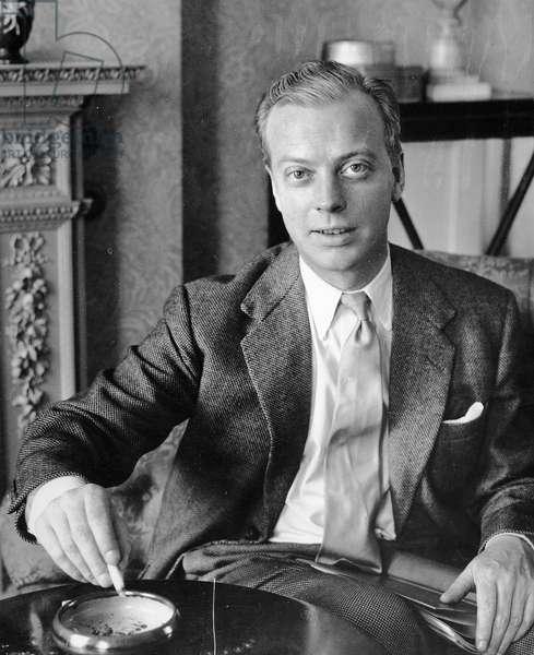 Eric Ambler, 1953 (photo)