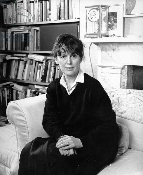 Claire Tomalin, 1993 (photo)