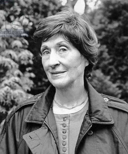Patricia Beer, 1992 (photo)