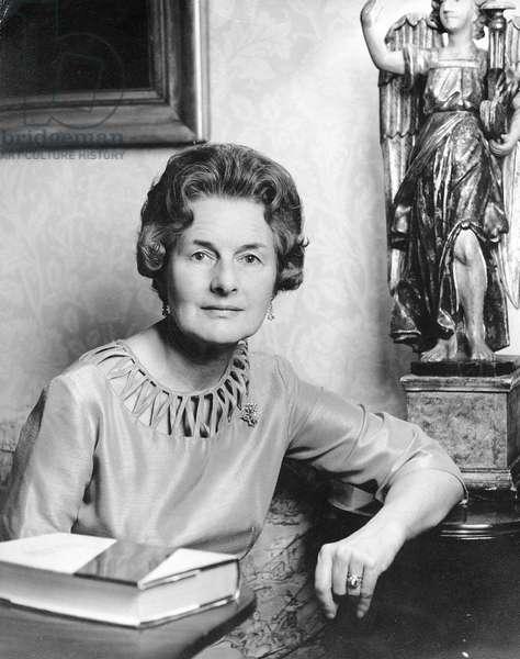 Lady Elizabeth Longford, 1976 (photo)