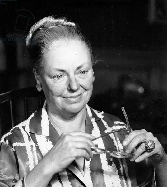 Margery Sharp, 1968 (photo)