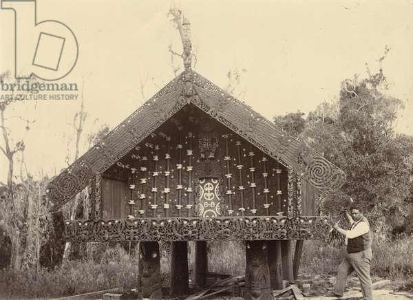 Te Takinga pataka, c.1895 (silver gelatin print)