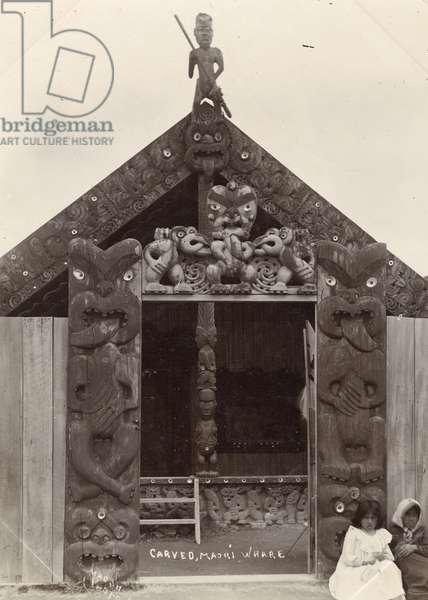 Carved Maori whare, c.1900 (silver gelatin print)