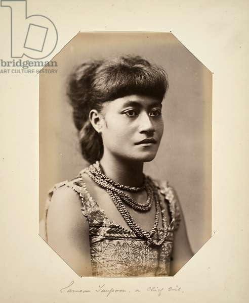 Samoan Taupoon, or Chief Girl (albumen print)