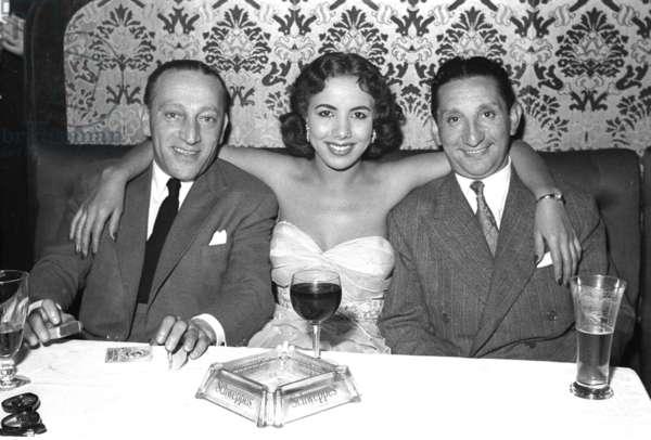 Sammy Lederman, Yasmina Benkala and Hymie the Chiv, Stork Room, London, UK, 1954 (b/w photo)