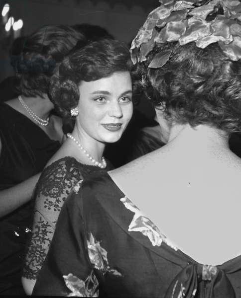 Frances Sweeney, Dorchester Hotel, London, UK, 1958 (b/w photo)