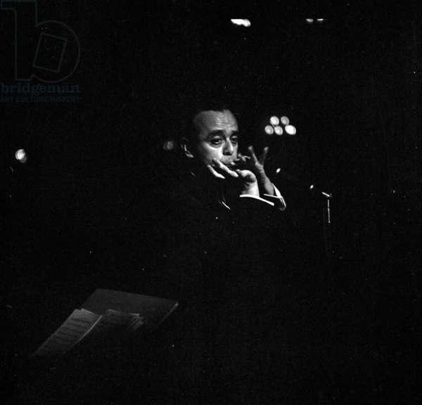 Larry Adler, Quaglino's, London, UK, 1958 (b/w photo)