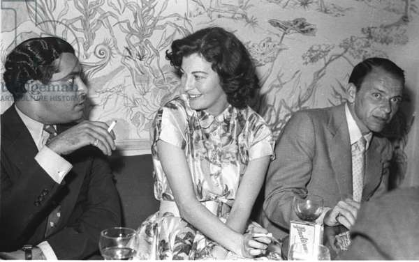 Maharaja of Bundi, Ava Gardner and Frank Sinatra, Vendome Bar, Bond Street, London, UK, 1953 (b/w photo)