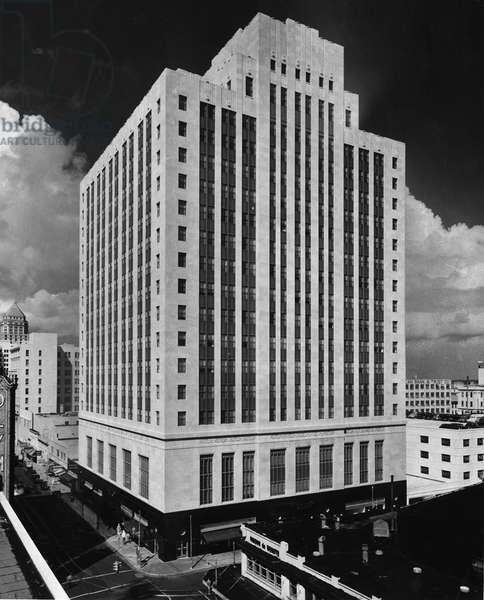 A roof-top view plays up the stark elegance of the Alfred I. DuPont Building in downtown Miami, c.1940 (b/w photo)