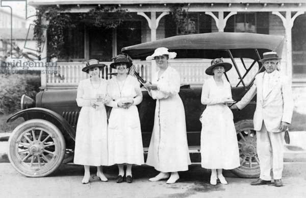 Marjory Stoneman Douglas, far right, and other members of Team no. 11 at a war stamp drive, c.1915 (b/w photo)