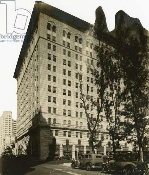 Ingraham Building, 1932 (b/w photo)