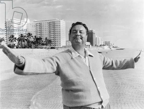 Jackie Gleason in Miami Beach (b/w photo)