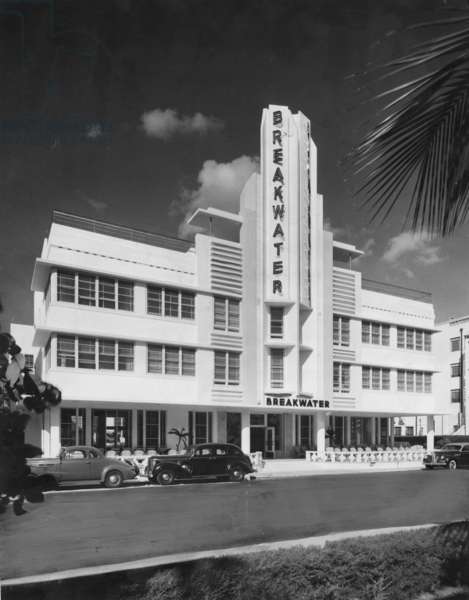 Breakwater Hotel, Miami Beach, 1939 (b/w photo)