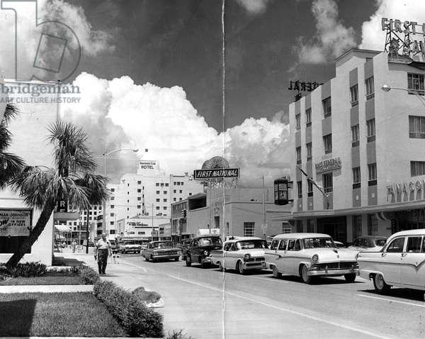 Traffic along Las Olas Boulevard, Fort Lauderdale, Florida, 1959 (b/w photo)