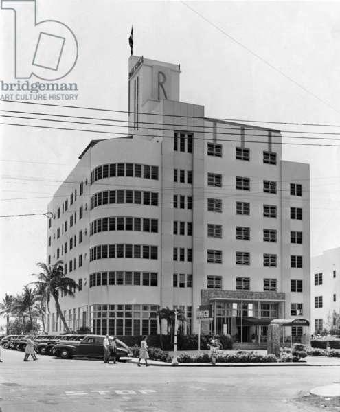 The Raleigh Hotel, Miami Beach, 1946 (b/w photo)