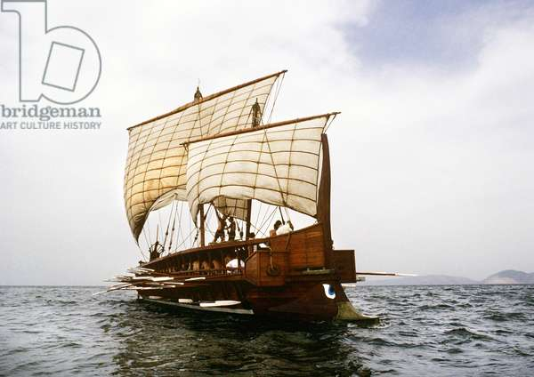 Replica of the trireme 'Olympia' at sea (photo)