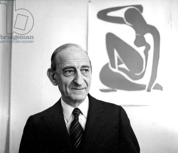 Raymond Aron late 1972 (with a collage of Matisse) (b/w photo)
