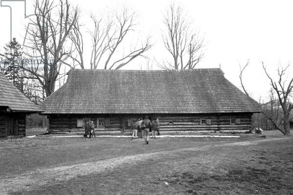 Old Polish farmhouse (b/w photo)