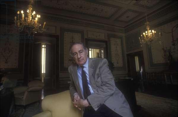 Spoleto, Perugia, 1993. Composer and founder of the Festival of Two Worlds Giancarlo Menotti at Palazzo Campello/Spoleto (Perugia), 1993. Il compositore e fondatore del Festival dei due mondi Giancarlo Menotti a Palazzo Campello -