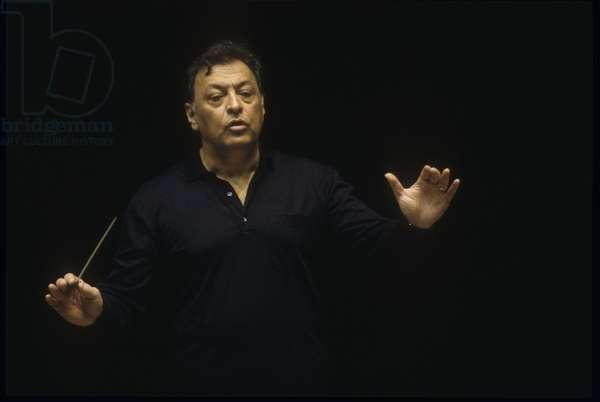 Rome, 1995. Music conductor Zubin Mehta during a rehearsal/Roma, 1995. Il direttore d'orchestra Zubin Mehta durante una prova -