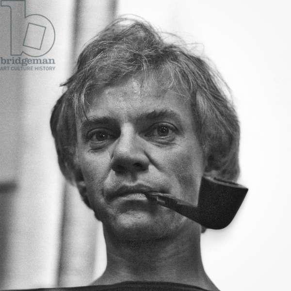 Venice Film festival 1982. British actor Malcolm McDowell smoking a pipe/Mostra del Cinema di Venezia 1982. Attore Malcolm McDowell smoked the pipa-
