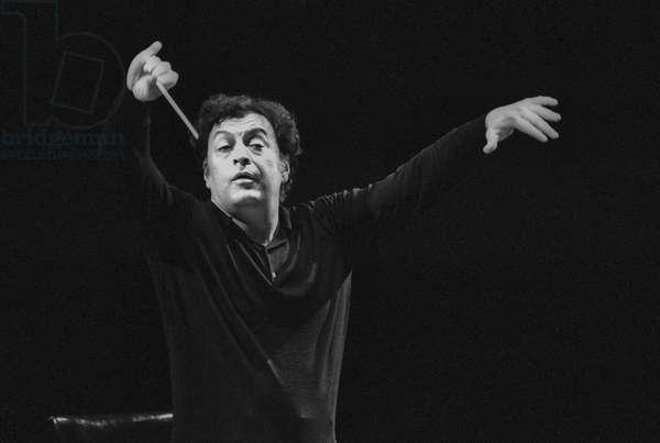 Florence, about 1980. Music conductor Zubin Mehta during a rehearsal/Firenze, 1980 circa. Il direttore d'orchestra Zubin Mehta durante una prova -