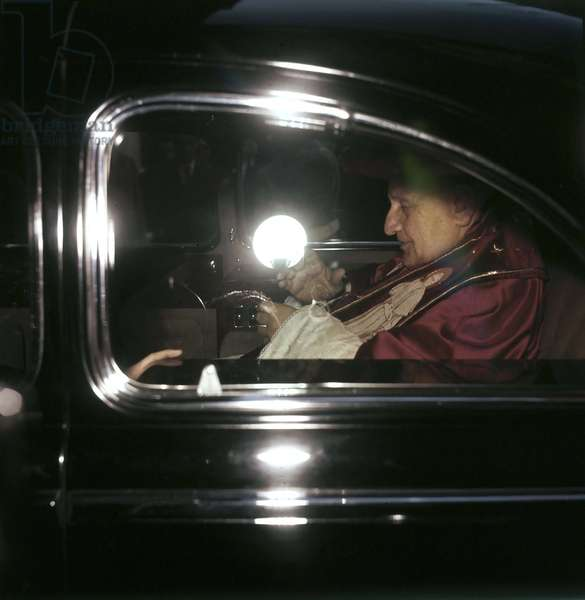 John 23 - Vatican City, 1960 - Pope John XXIII in a car/Roma, 1960 - Papa Giovanni XXIII in automobile -
