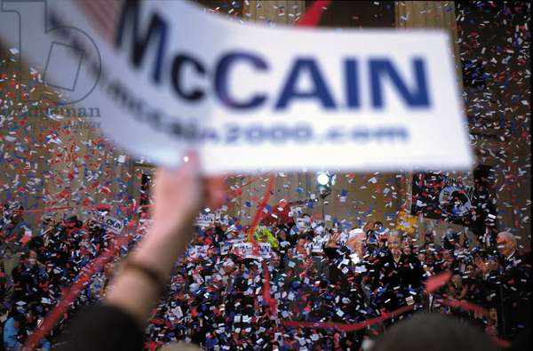 New York, 2000. Republican candidate for President of the United States John McCain and his wife Cindy Hensley McCain during an election rally on Wall Street (photo)