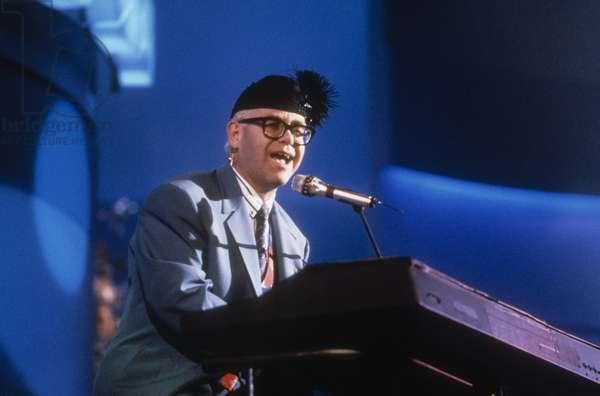 Elton john performing at Sanremo Music Festival 1989/Elton John ospite al Festival di Sanremo 1989 -
