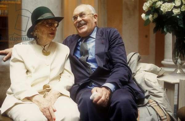 Venice, 1993. Marcel Duchamp Exhibition at Palazzo Grassi. Marcel Duchamp's widow Alexina Duchamp and art critic Pontus Hulten (photo)