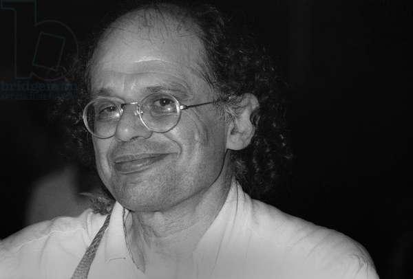 Ostia (Rome), Castelporziano, 1979. Poet Allen Ginsberg at First Festival of the Poets/Ostia (Roma), Castelporziano, 1979. Il poeta Allen Ginsberg al primo Festival dei poeti -