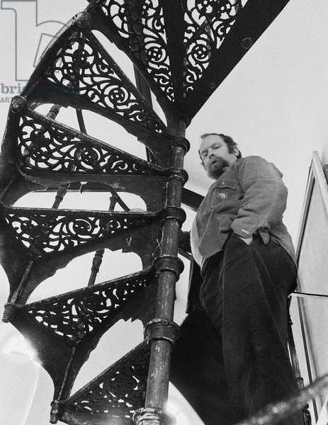 Peter Blake on stairs, 1972 (b/w photo)
