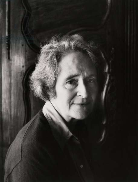 Mary Douglas, 1976 (b/w photo)