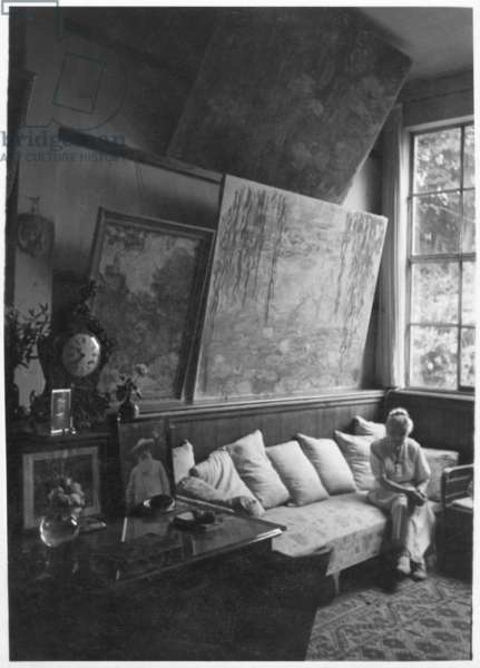 Blanche Hoschede at Giverny (b/w photo)