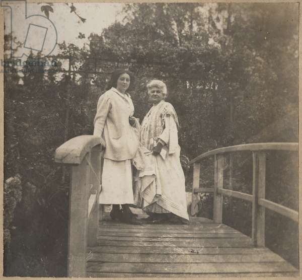 Alice or Lily Butler (1894-1949) and Alice Monet (1844-1911) at Giverny, 1910 (gelatin siver print) (b/w photo)