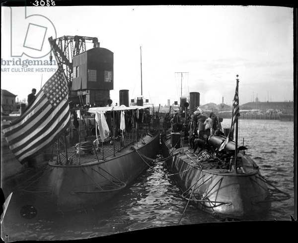 Two torpedo boats, Foote (No. 3) and Rodgers (No. 4), moored together at wharf, 1898 (b/w photo)