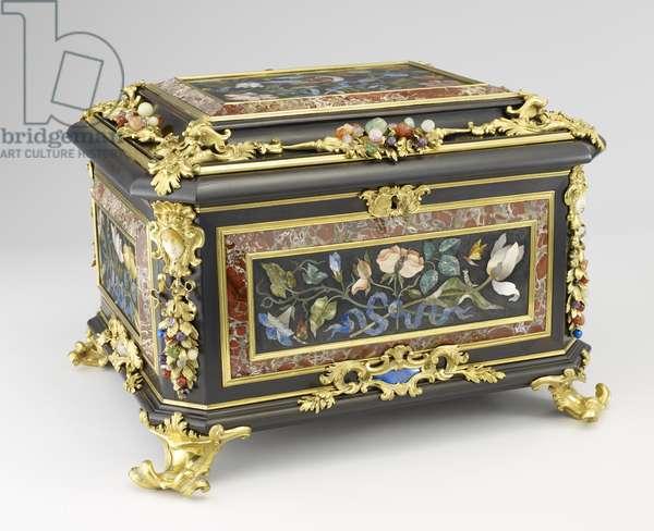 Jewellery Box, c.1730 (oak, ebony, pietra dura, bronze & semi-precious stones)