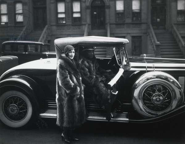 Couple in Raccoon Coats, Harlem, 1932 (b/w photo)