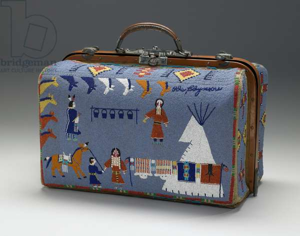 Suitcase, probably Minneconjou Lakota, c.1880-1910 (beads, hide, metal, oilcloth & thread)