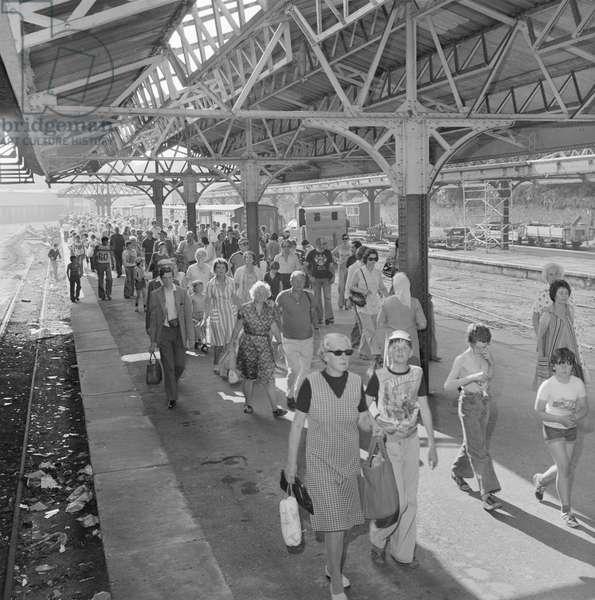 Douglas Railway Station, June 1978 (b/w photo)
