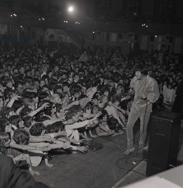 P. J. Proby at the Palace, July 1965 (b/w photo)