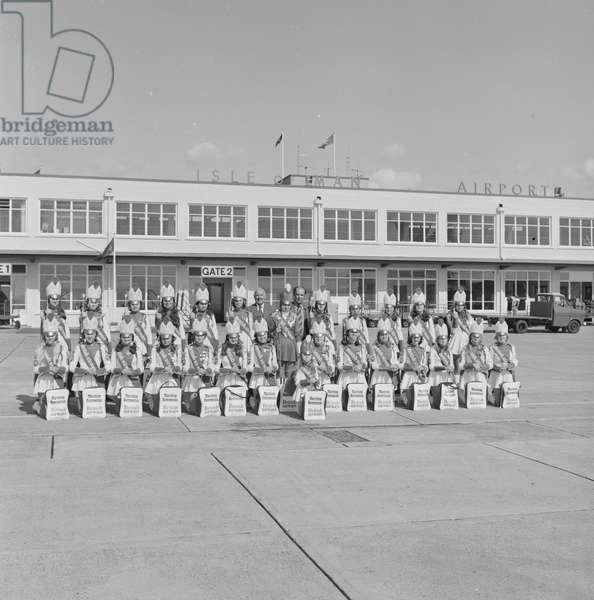 British Airways Girls, Ronaldsway Airport, August 1975 (b/w photo)